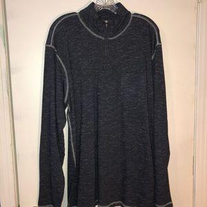 Quarter zipper with a front pocket